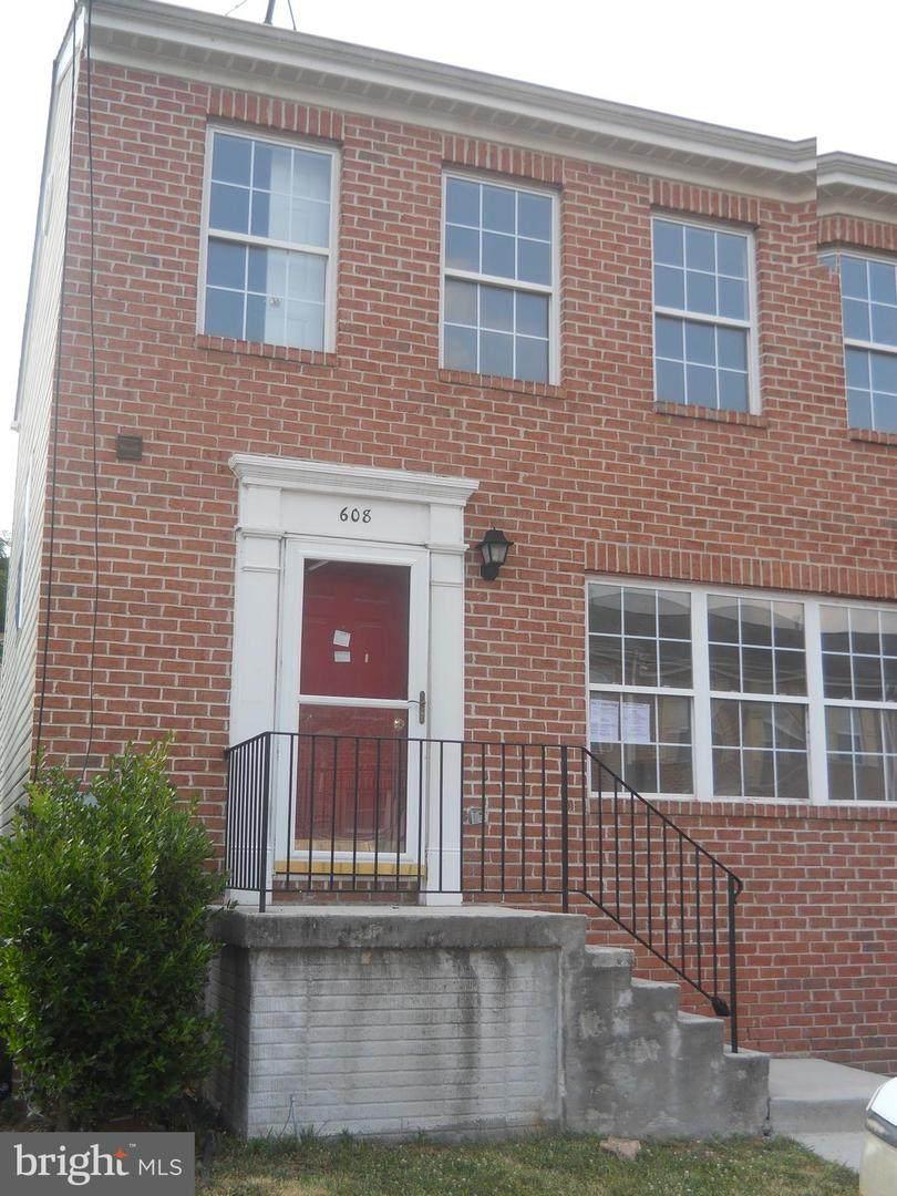 608 Collett Street - Photo 1