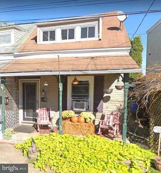 562 Union Street - Photo 1