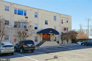 7036 Strathmore Street #111, CHEVY CHASE, MD 20815 (#MDMC736018) :: The Sky Group