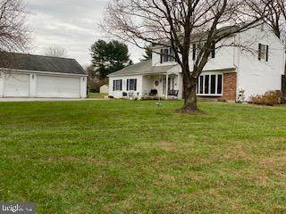 5 Meadow Lane, DOWNINGTOWN, PA 19335 (#PACT525214) :: Keller Williams Realty - Matt Fetick Team