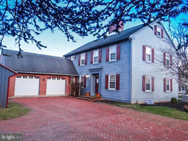 1547 Fairview Avenue, CHAMBERSBURG, PA 17202 (#PAFL176888) :: Crossman & Co. Real Estate