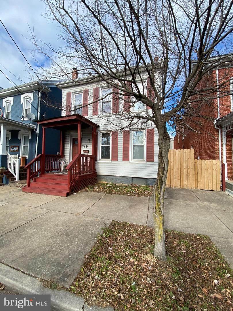 726 Washington Street - Photo 1