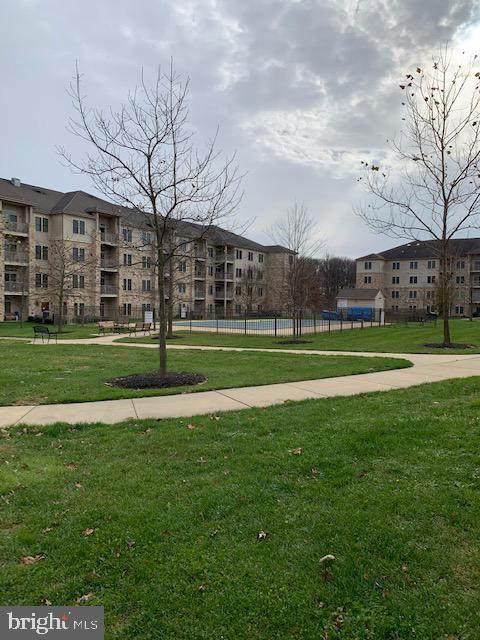1000-UNIT Fountainview Circle - Photo 1
