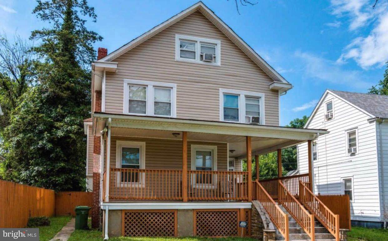 3902 Bateman Avenue - Photo 1