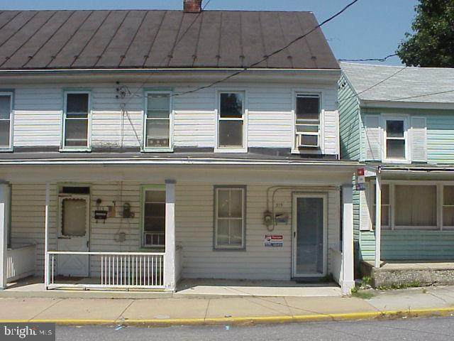 315 E Burd Street, SHIPPENSBURG, PA 17257 (#PACB130844) :: The Joy Daniels Real Estate Group