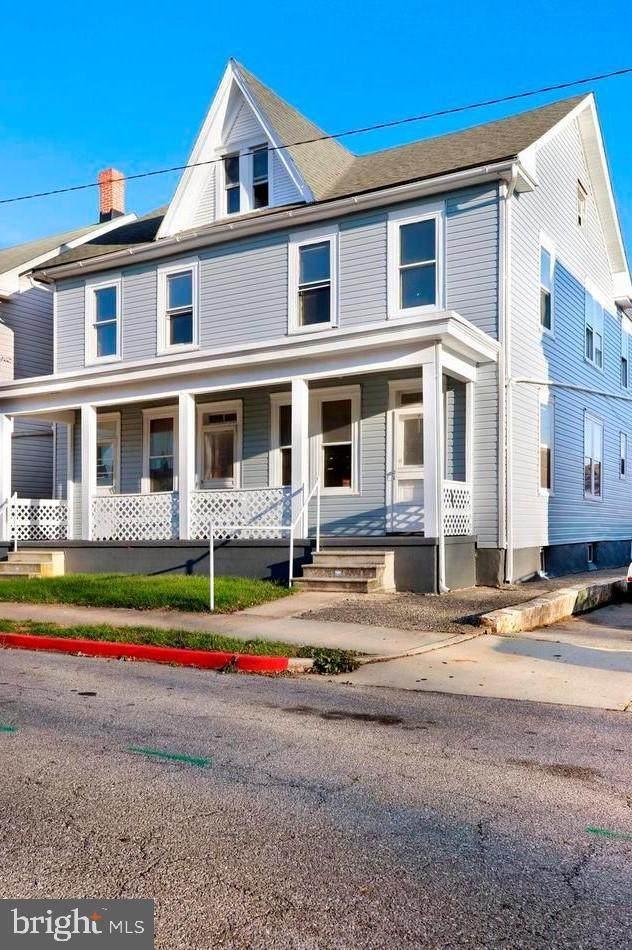 422-422 1/2 Mcdowell Avenue - Photo 1