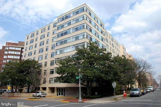 2401 H Street NW #209, WASHINGTON, DC 20037 (#DCDC503250) :: Network Realty Group