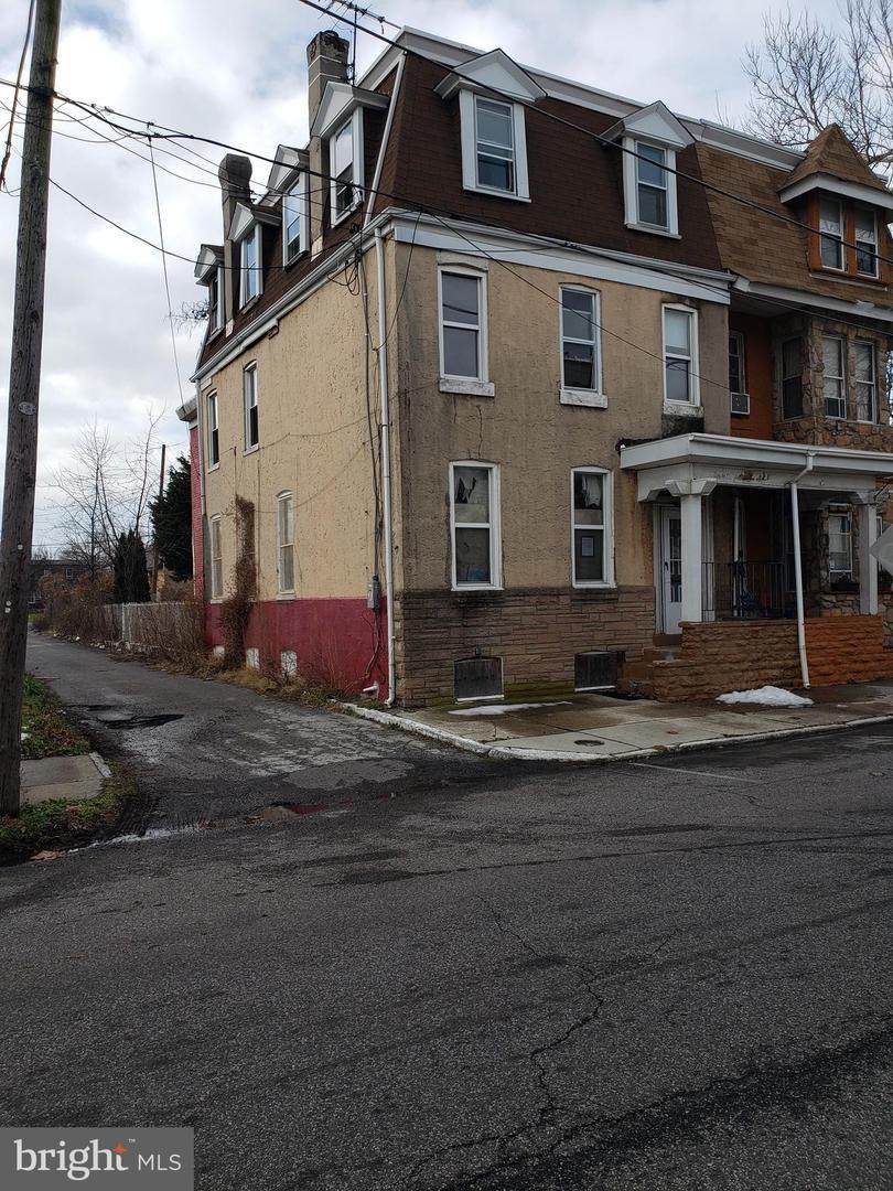318 Parker Street - Photo 1