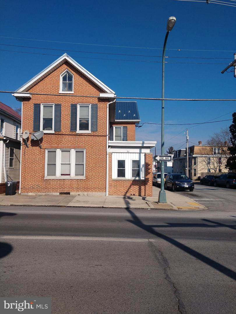 301 Lincoln Way - Photo 1