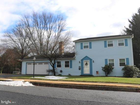 401 W Elmwood Avenue, MECHANICSBURG, PA 17055 (#PACB131292) :: The Heather Neidlinger Team With Berkshire Hathaway HomeServices Homesale Realty