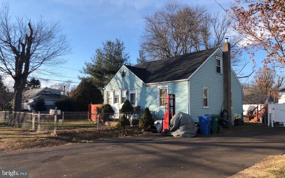 1303 Dixon Avenue - Photo 1
