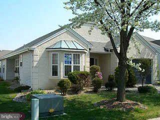 627 Cascade Dr S, MOUNT LAUREL, NJ 08054 (#NJBL389812) :: LoCoMusings