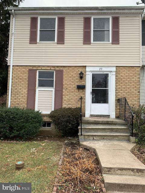 29 N Pendleton Court 13A, FREDERICK, MD 21703 (#MDFR276612) :: Charis Realty Group