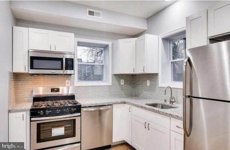 2201 Westwood Avenue - Photo 1