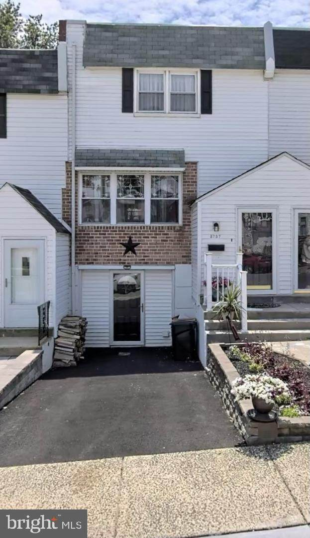 3737 Pitt Place, PHILADELPHIA, PA 19114 (#PAPH981612) :: Century 21 Dale Realty Co