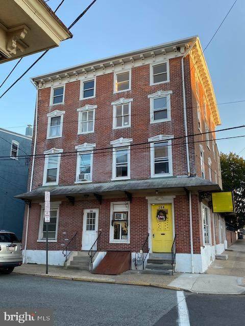 264 Walnut Street, PHOENIXVILLE, PA 19460 (#PACT528180) :: Keller Williams Realty - Matt Fetick Team