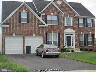 16174 Eagle Beak Circle, WOODBRIDGE, VA 22191 (#VAPW513614) :: LoCoMusings