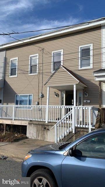 525 W Howard Street, FRACKVILLE, PA 17931 (#PASK134092) :: The Craig Hartranft Team, Berkshire Hathaway Homesale Realty