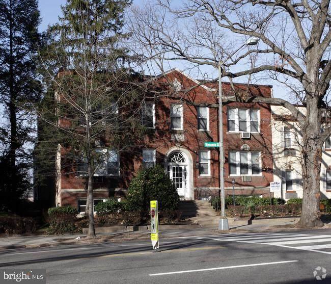 3218 Wisconsin Avenue - Photo 1