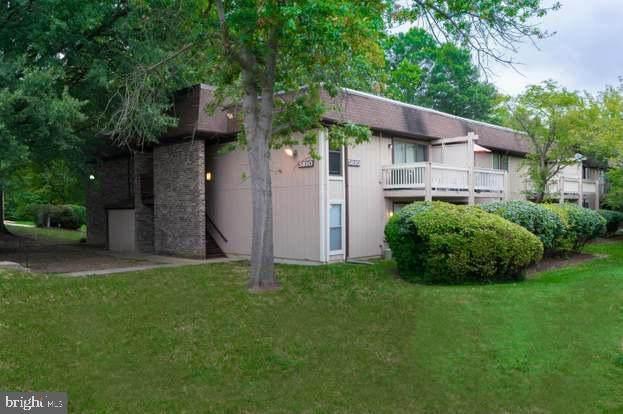 5810 Royal Ridge Drive - Photo 1