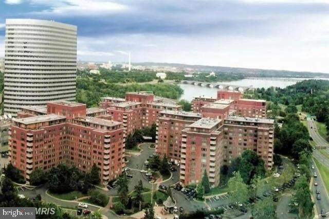 1011 Arlington Boulevard #1047, ARLINGTON, VA 22209 (#VAAR176426) :: Debbie Dogrul Associates - Long and Foster Real Estate