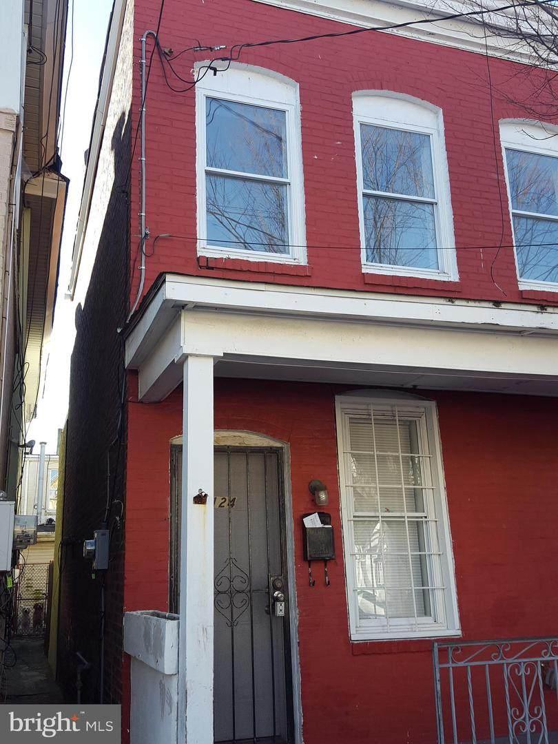 124 Georgia Avenue - Photo 1