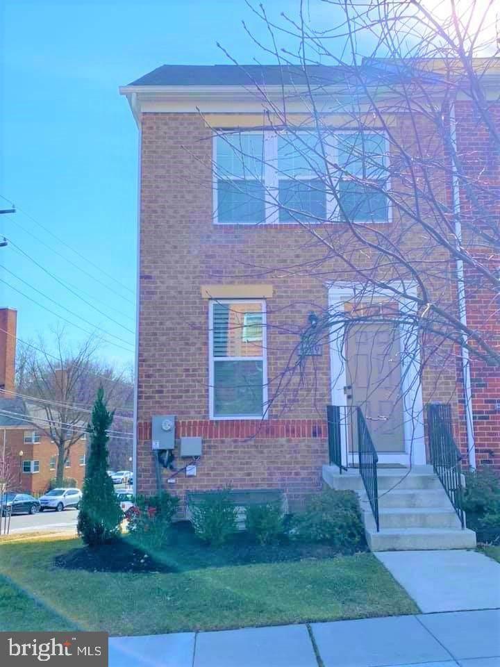 1239 Trenton Place - Photo 1