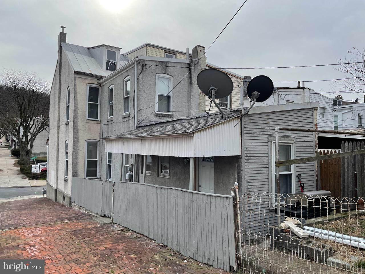 1161 Muhlenberg Street - Photo 1