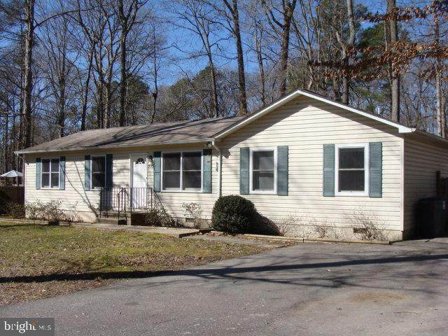 335 Longhorn Circle, LUSBY, MD 20657 (#MDCA181272) :: Give Back Team
