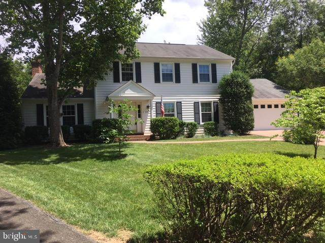 8601 Pilgrim Court, ALEXANDRIA, VA 22308 (#VAFX1183490) :: The Riffle Group of Keller Williams Select Realtors