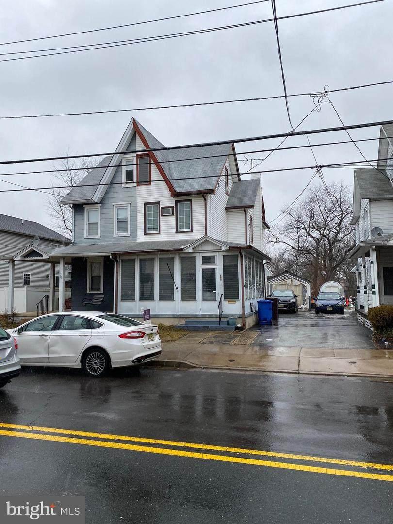 609 Bridgeboro Street - Photo 1