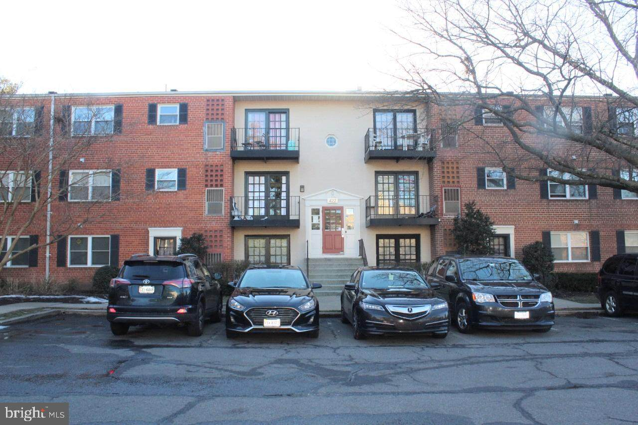 422 Armistead Street - Photo 1