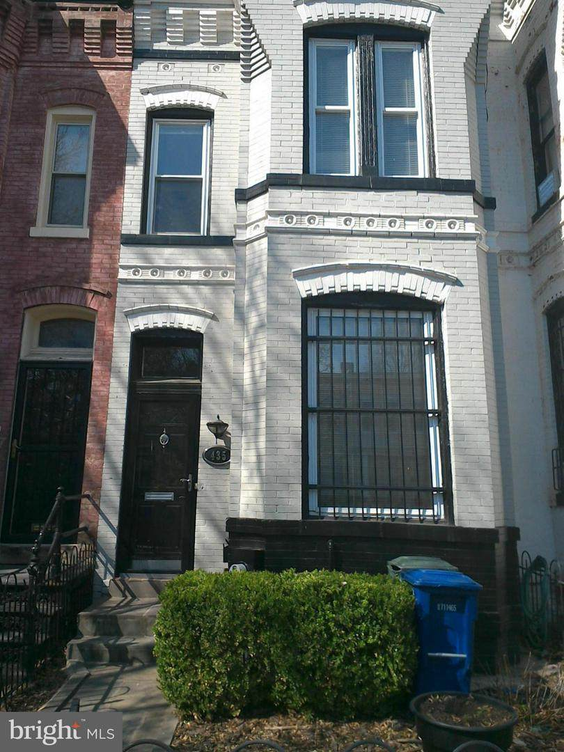 435 Q Street - Photo 1