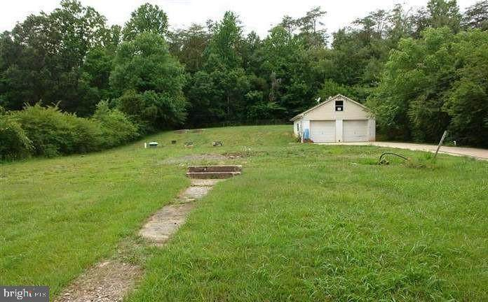 12104 Shawnee Lane - Photo 1