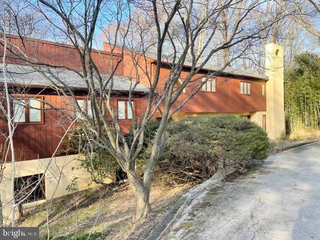 1352 Bobarn Drive, NARBERTH, PA 19072 (#PAMC685804) :: Jason Freeby Group at Keller Williams Real Estate