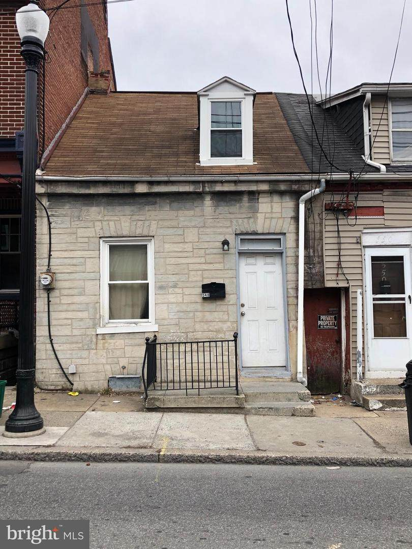 548 Manor Street - Photo 1