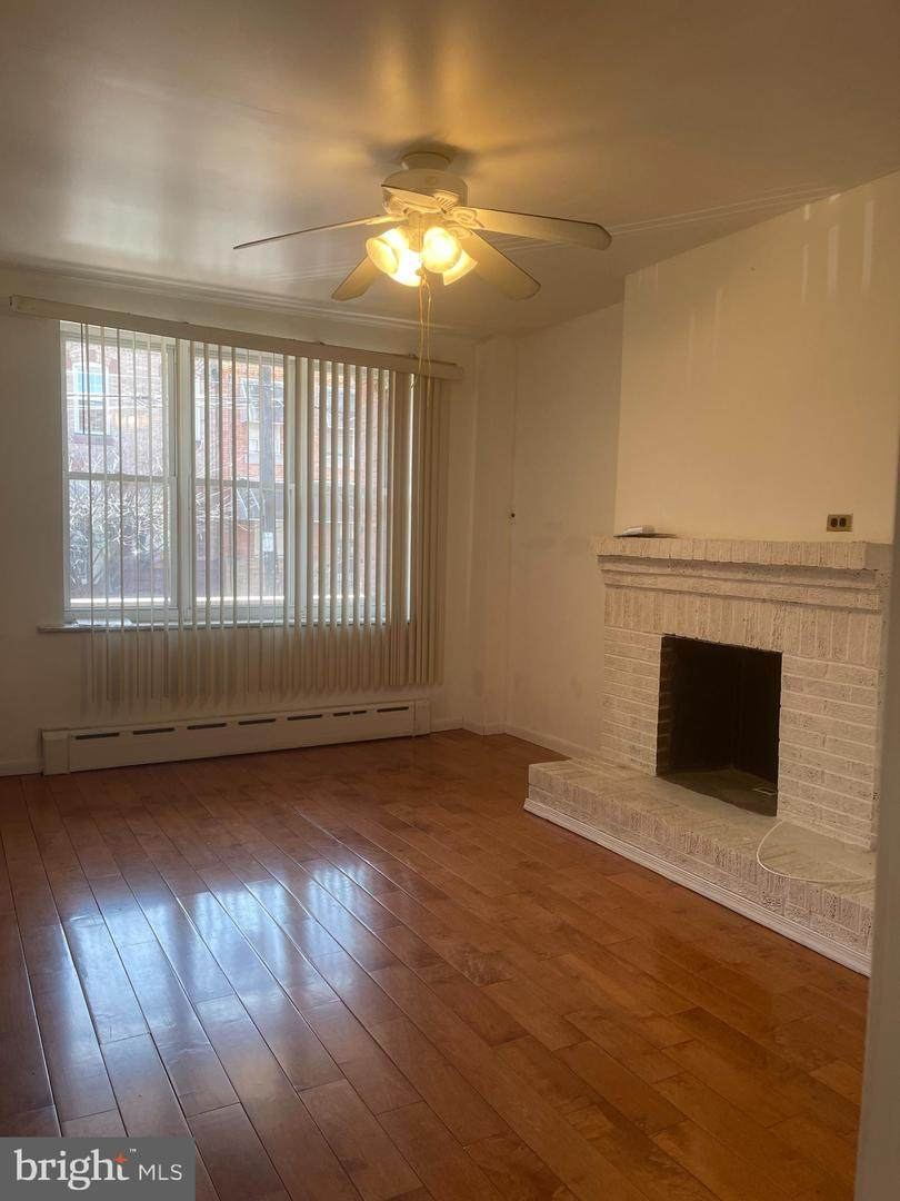 1025 Jackson Street - Photo 1