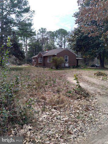 200 Christopher Drive, KILMARNOCK, VA 22482 (#VALV100840) :: Colgan Real Estate