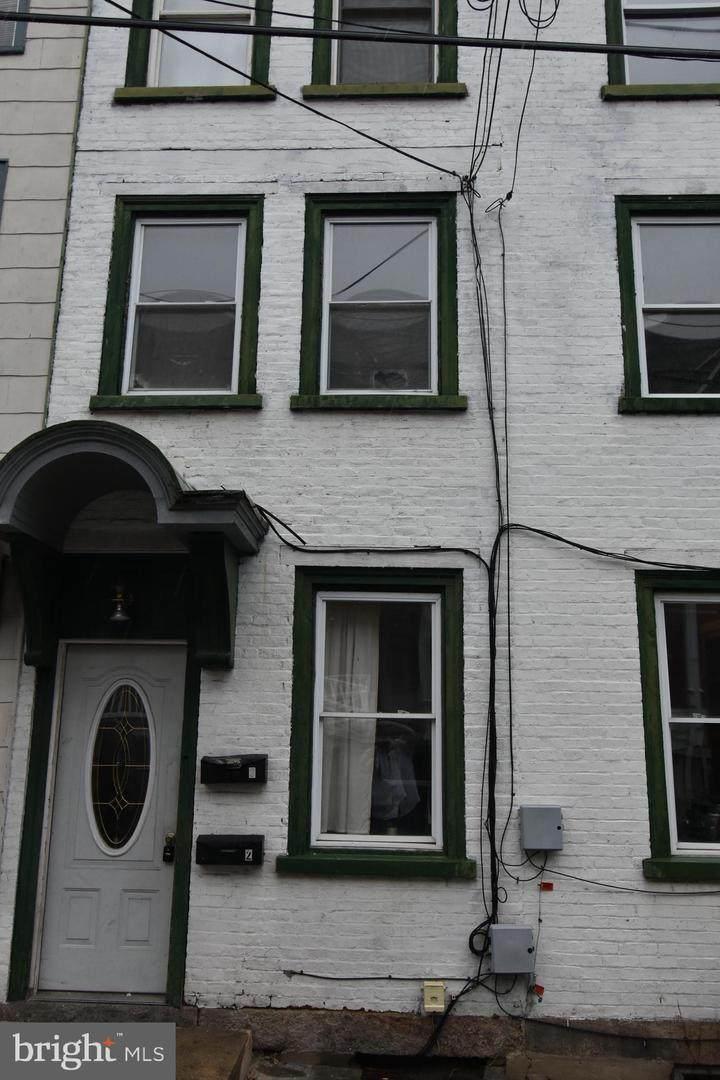 908 Norwegian Street - Photo 1