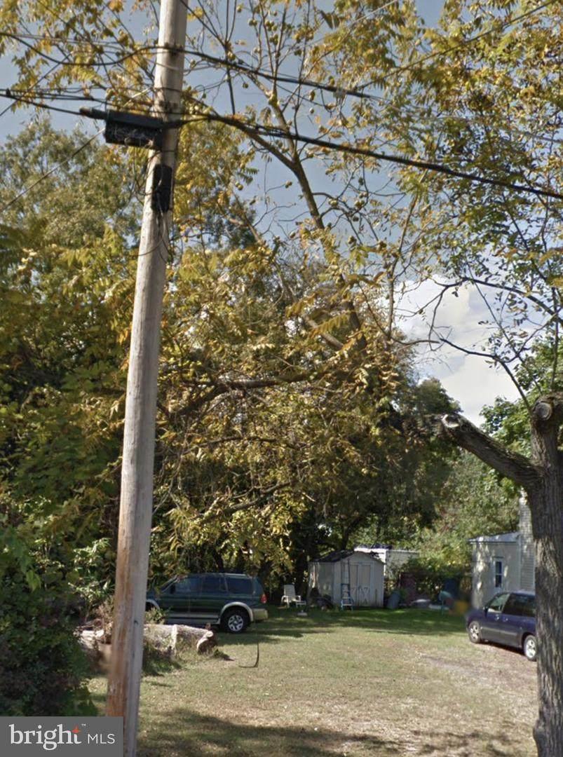328 Larch Avenue - Photo 1