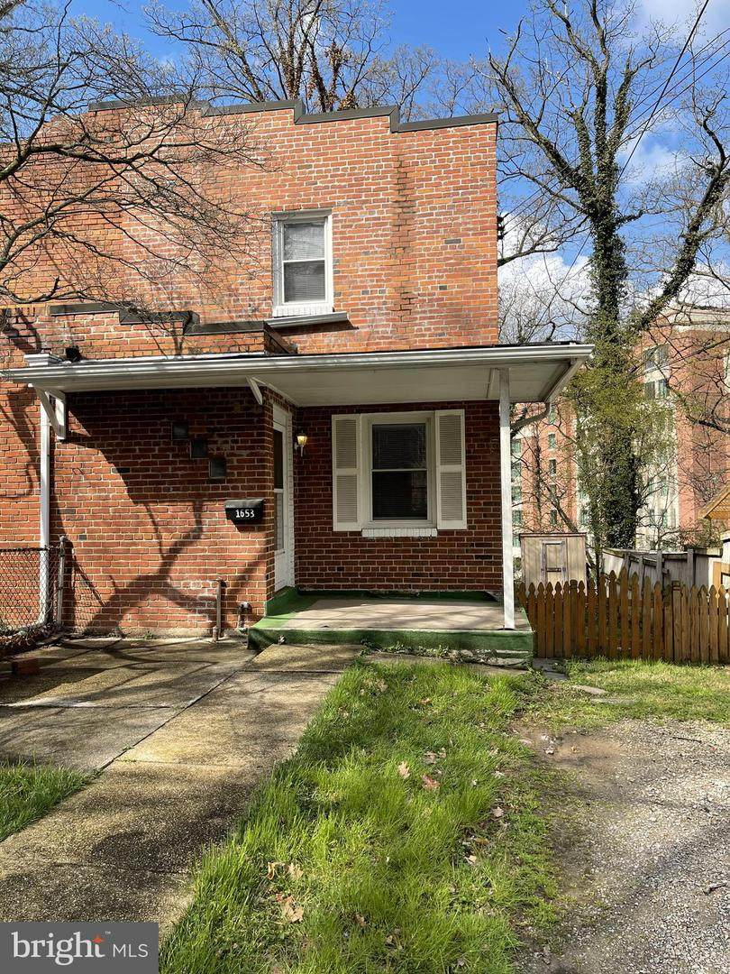 1653 Colonial Terrace - Photo 1
