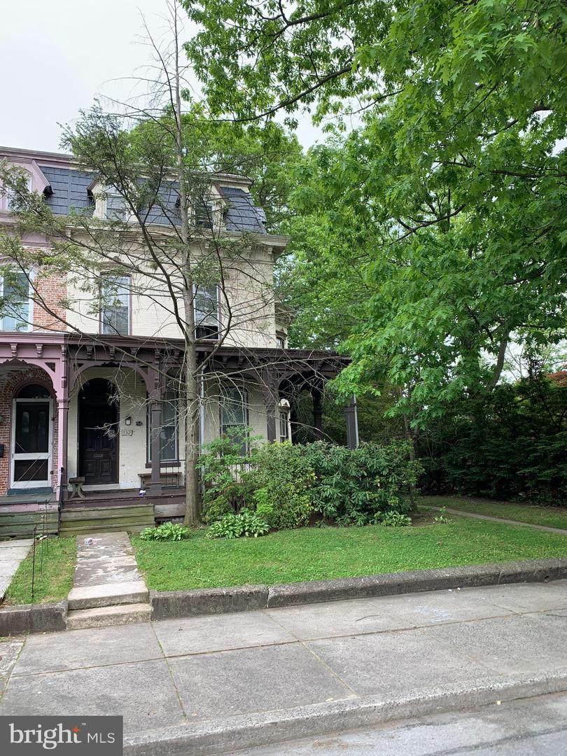 552 Chestnut Street - Photo 1