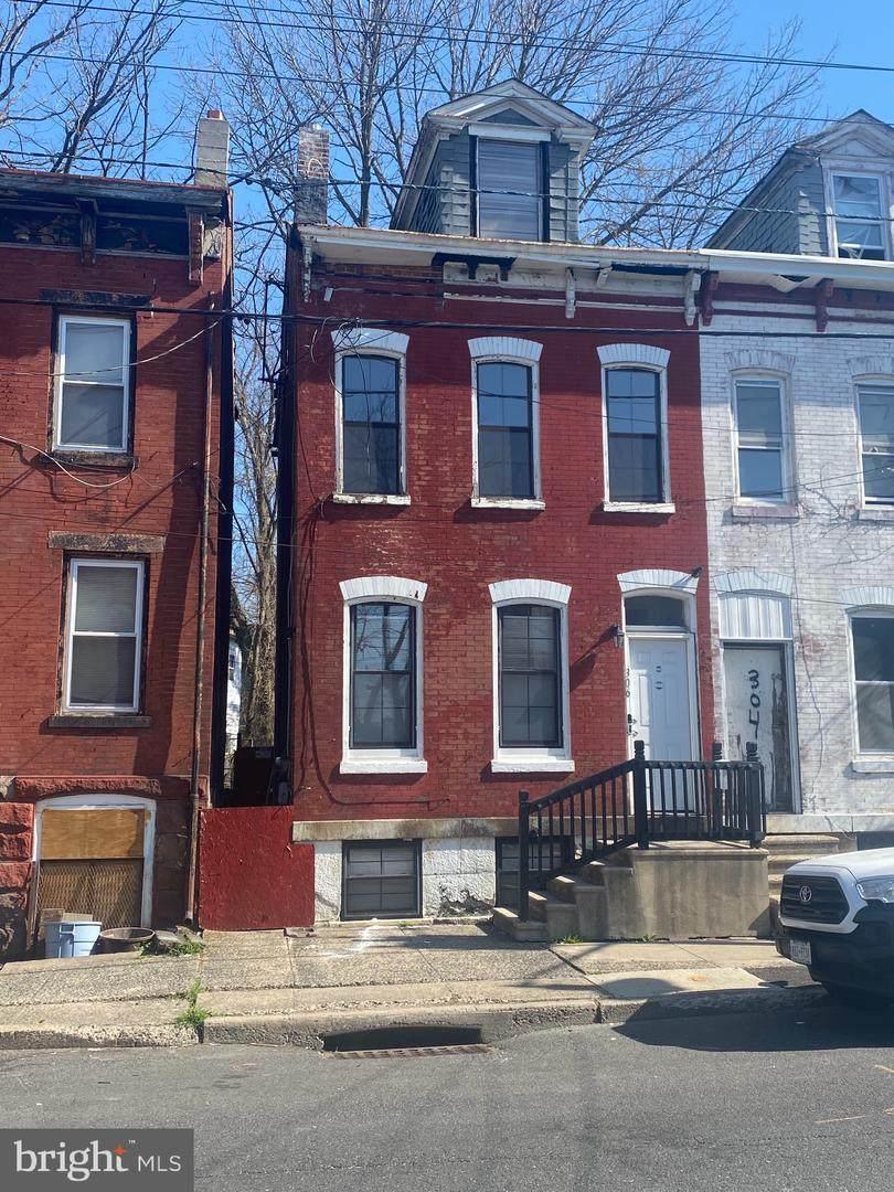 306 Hanover Street - Photo 1