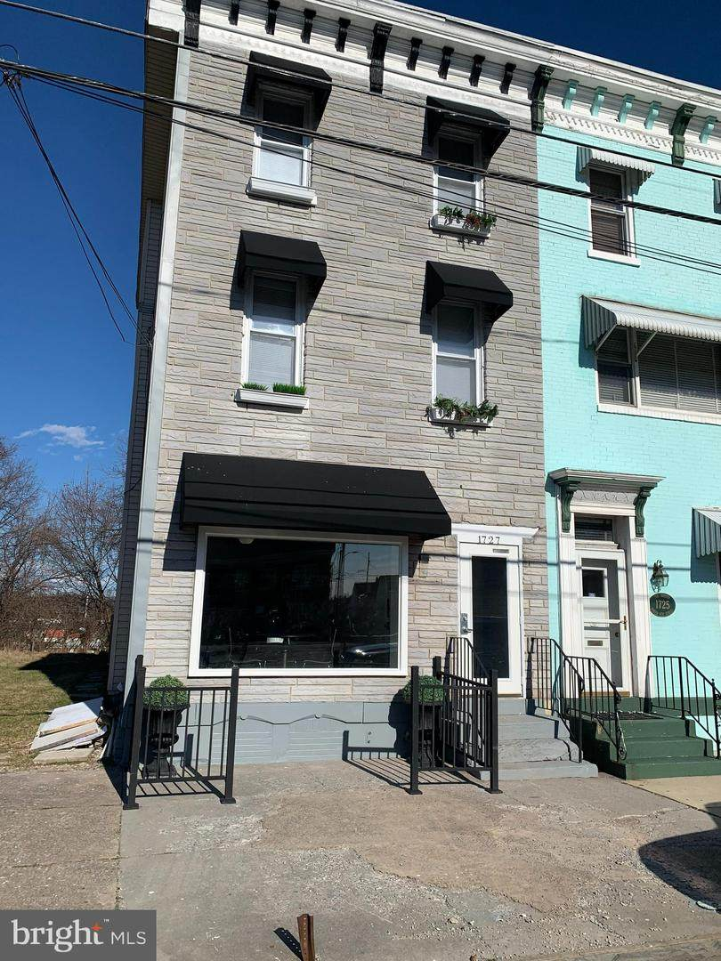 1727 6TH Street - Photo 1