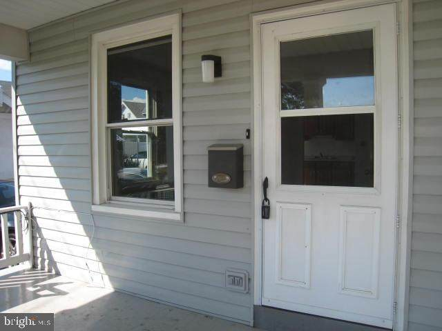 320 Railroad Street - Photo 1
