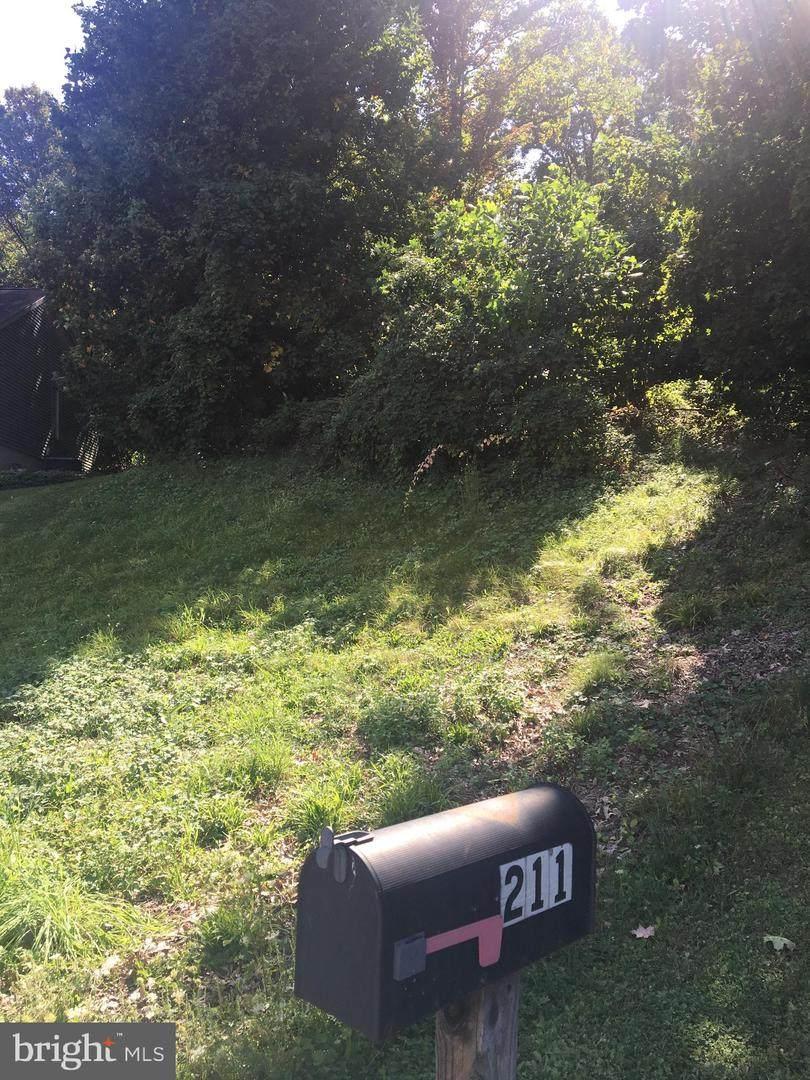 211 Pembroke Drive - Photo 1