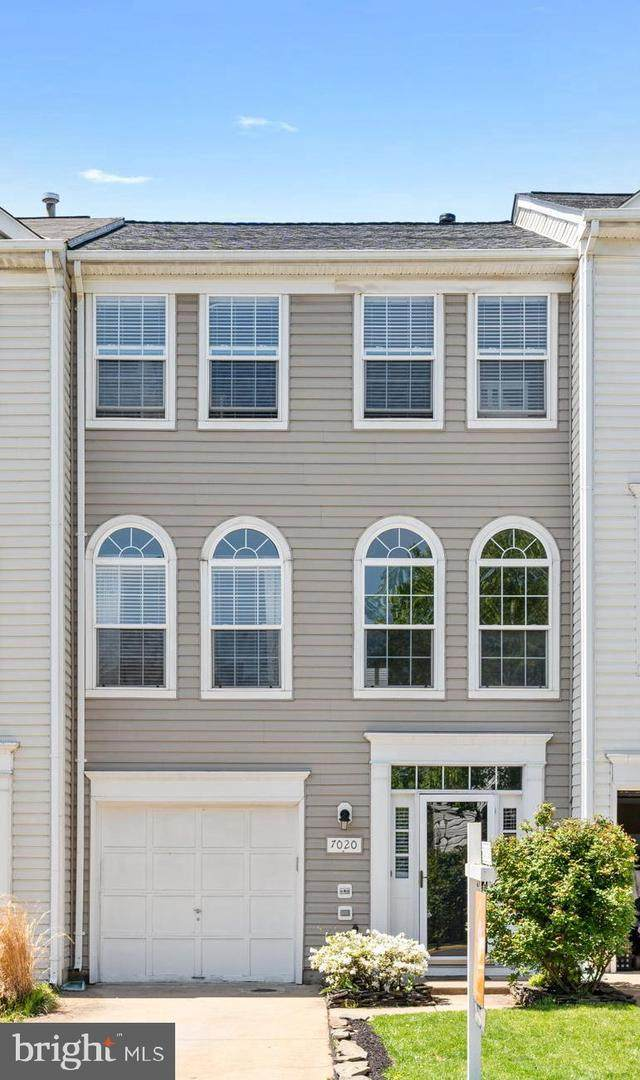 7020 Sauvage Lane, GAINESVILLE, VA 20155 (#VAPW519126) :: Colgan Real Estate