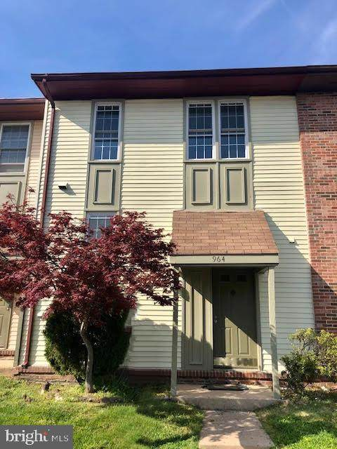 964 Branch Drive, HERNDON, VA 20170 (#VAFX1191956) :: ExecuHome Realty