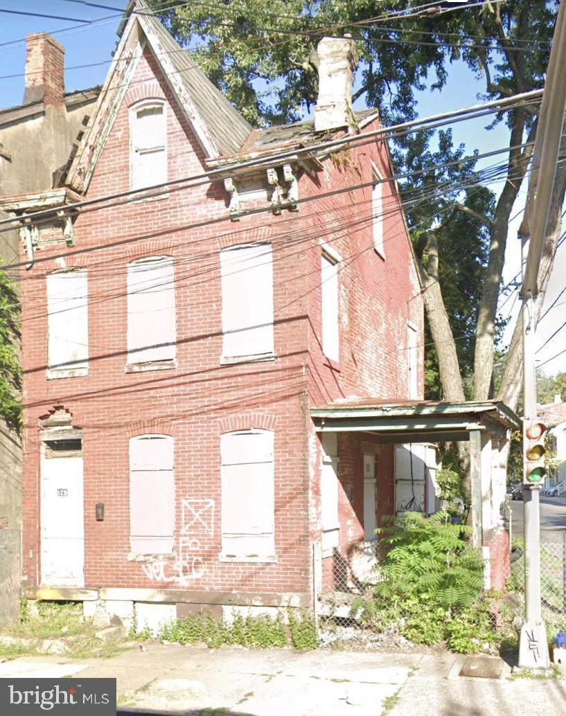 129 Calhoun Street - Photo 1