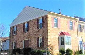 3611 Felmore Court, WOODBRIDGE, VA 22193 (#VAPW519572) :: Dart Homes